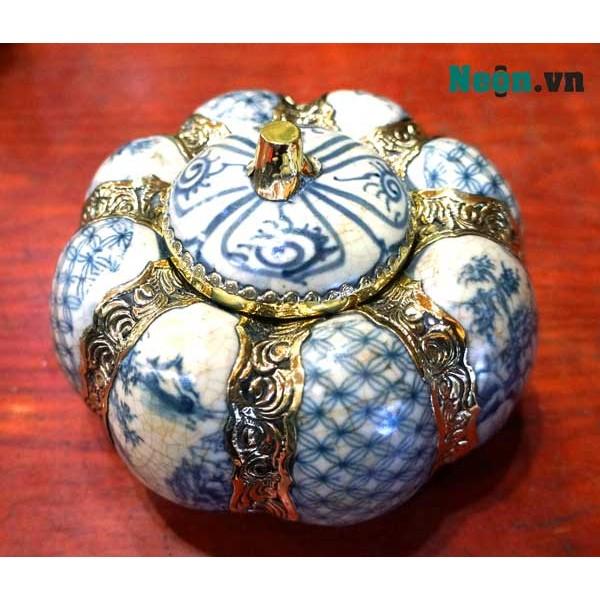 Hộp đựng mứt tết hình quả bí ngô bằng gốm Bát Tràng