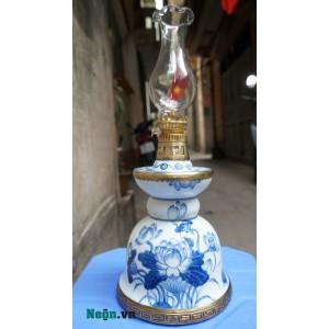 Đèn dầu thờ cúng dáng tháp men lam vẽ sen DD07